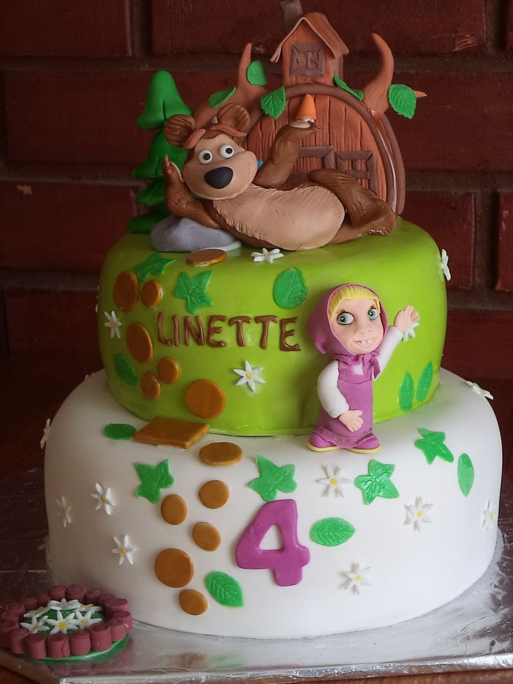 Masha and the bear. fondant cake by Volovan Productos Punta Areans Chile