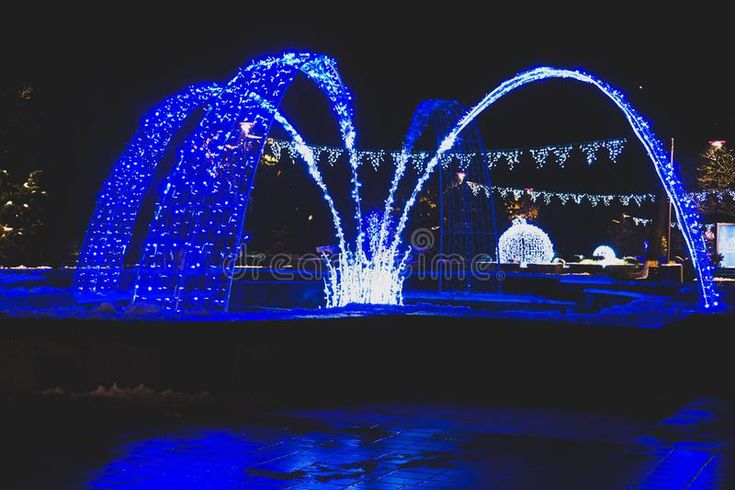 Download Water Fountain In The Night Time Stock Image - Image: 107334171