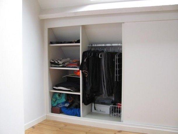 25 beste idee n over zolder kast op pinterest slaapkamer op zolder kasten aflopend plafond - Amenager kast ...