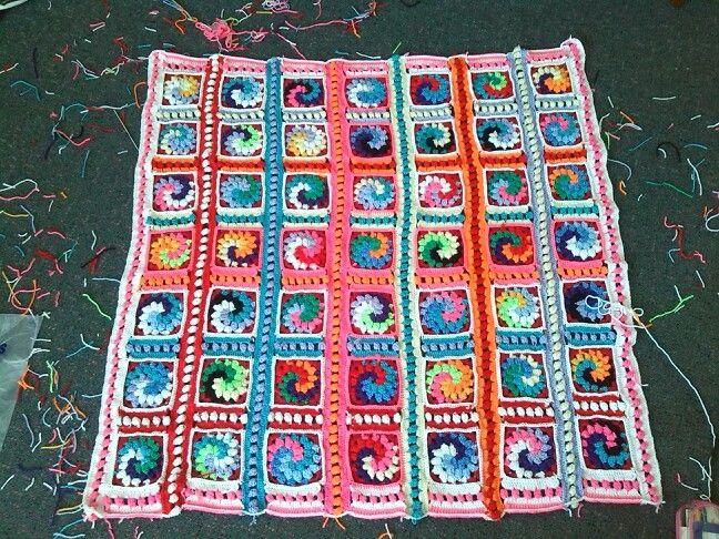 Crochet baby blanket- booble spiral