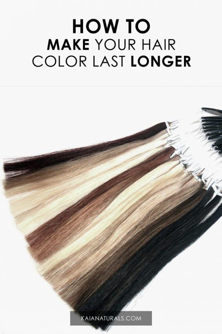 Eine der besten Möglichkeiten, um Haarfarbe zu sparen, ist das Vermeiden von Shampoonierungen. Verwenden Sie stattdessen ein natürliches Trockenshampoo zwischen den Wäschen. Es verhindert das Abisolieren der Farbe.
