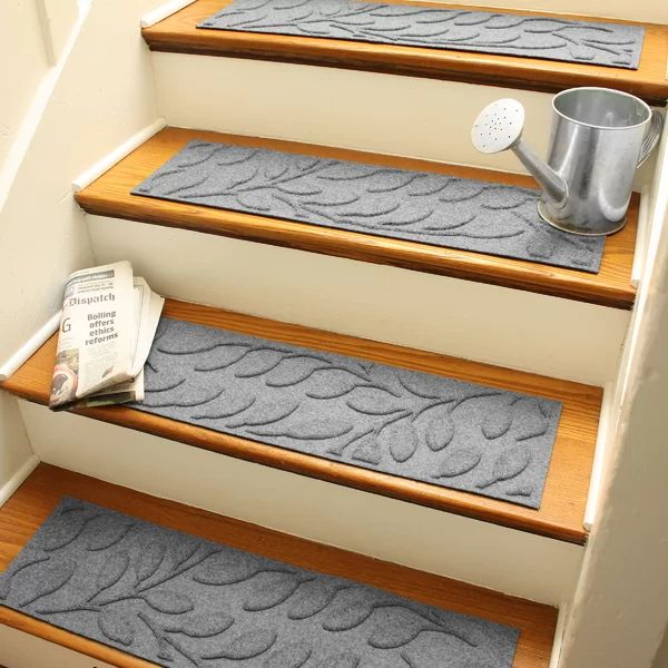 Best Tucker Murphy Pet Beaupre Medium Gray Leaf Stair Tread 400 x 300