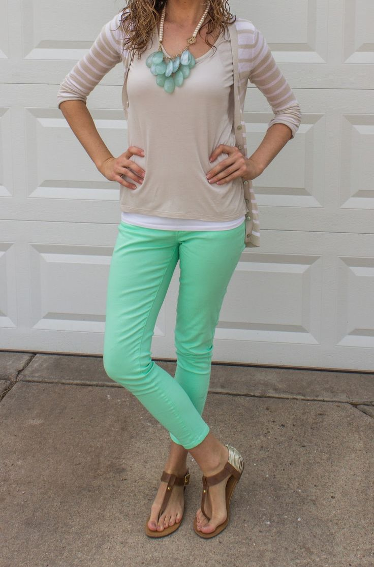 Mint & Tan... What a classy duo. Would love the tan with a coral peach pant as well. Gorrrrgeous!
