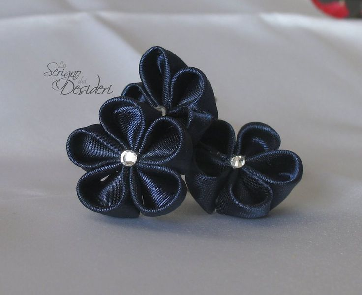 Forcine Kanzashi per capelli in raso blu, by Lo Scrigno dei Desideri, accessori handmade, 7,50 € su misshobby.com