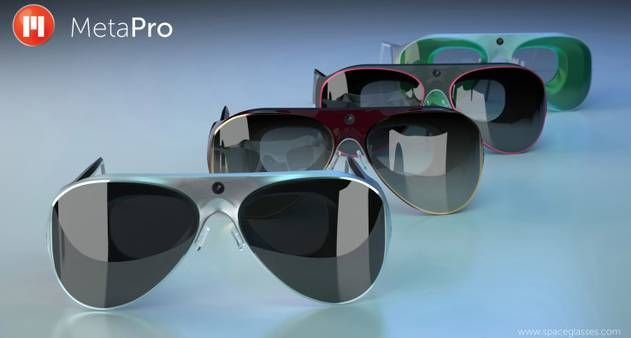 Enquanto o Google Glass não vem, o concorrente Meta Pro abre o cadastro de pedidos, prometendo entregar o gadget por US$ 3 mil em junho de 2014. Ele é mais próximo do que Tom Cruise usava em Minority Report e a configuração, pesada: movido por um Intel i5, traz 4 GB de memória e 128 de armazenamento, Wi-Fi e Bluetooth. No Globo.