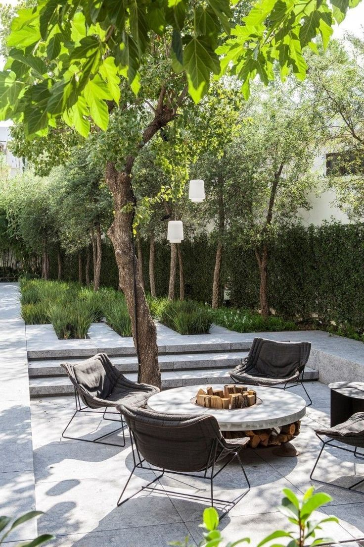 Love This Stunning Entertaining Space Outdoors Under The Trees With Fabulous F Interior Diy Backyard Landscaping Modern Garden Backyard