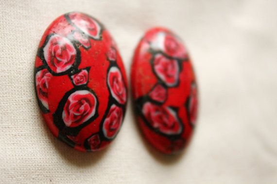 Red and black white pink spots stripes caboçon in fimo clay and utee (red background)