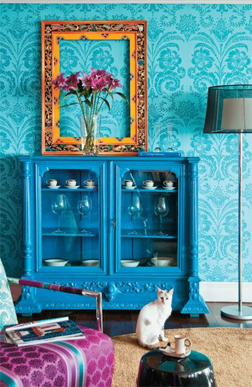 This room is the work of a great designer in Brazil I can't remeber her name but I loved her work when I ran accross her work a few years ago.