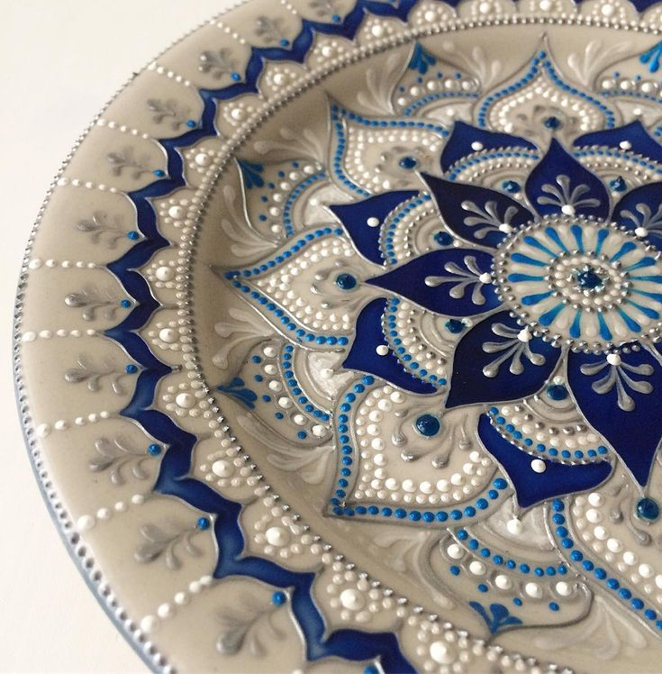 "633 Likes, 22 Comments - 🔷КРУЖКИ 🔹ТАРЕЛКИ 🔹ДЕКОР🔷 (@ana_artstudio) on Instagram: ""С добрым утром!!! Последний четверг года, друзья!!! С наступающим!!!! 😊🎉 #ana_art_plates #crafts…"""