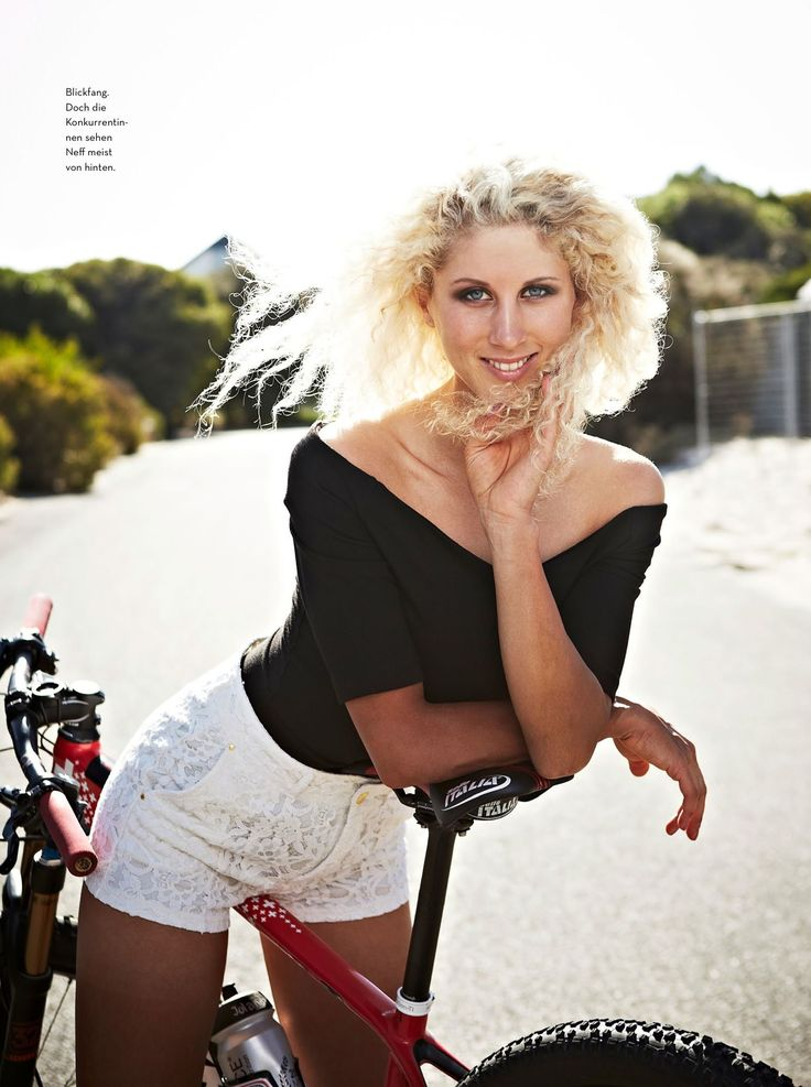 jolanda neff | bici pure lifestyle | Chica en bicicleta ...
