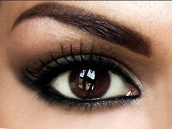 : Brown Eye Pop, Eye Makeup, Dark Eye, Dark Brown Eye, Hair Makeup, Makeup Eye, Eyemakeup, Wedding Makeup, Smokey Eye