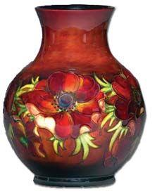 Beautiful Moorcroft anemone vase