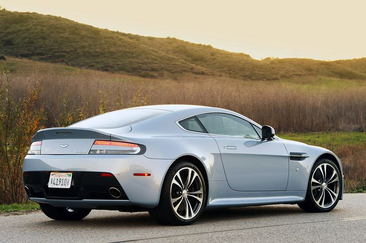 Information Aston Martin DB8