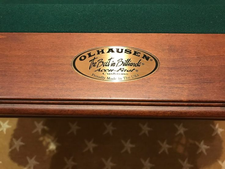 8ft Pool Table By Olhausen In Mint Condition And Pool Sticks And Stand