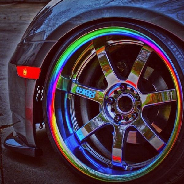 neo chrome rims almost like ones I had but they were 5 spoke, and darker NEO