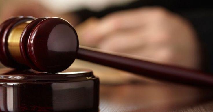 Обжалование приговора суда по уголовному делу  Оглашенный судьей приговор, даже по уголовному делу, не является окончательным. В большинстве случаев подсудимый может его обжаловать. Это касается и ситуаций, когда процесс ведется в особом порядке (гражданин признал свою вину и хочет завершить разбирательство как можно быстрее). По статистике, лишь ничтожно малая (порядка 0,5%) часть кассационных и апелляционных жалоб приводит к смягчению приговора или его отмене. Если за дело берется хороший…