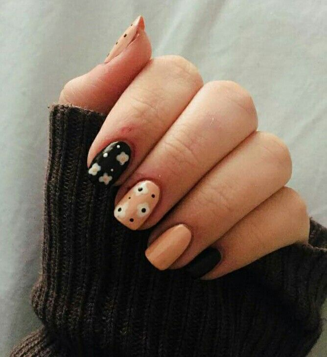 #nails #nail #nailart #naildesign #floral #floralnails #cute #pretty