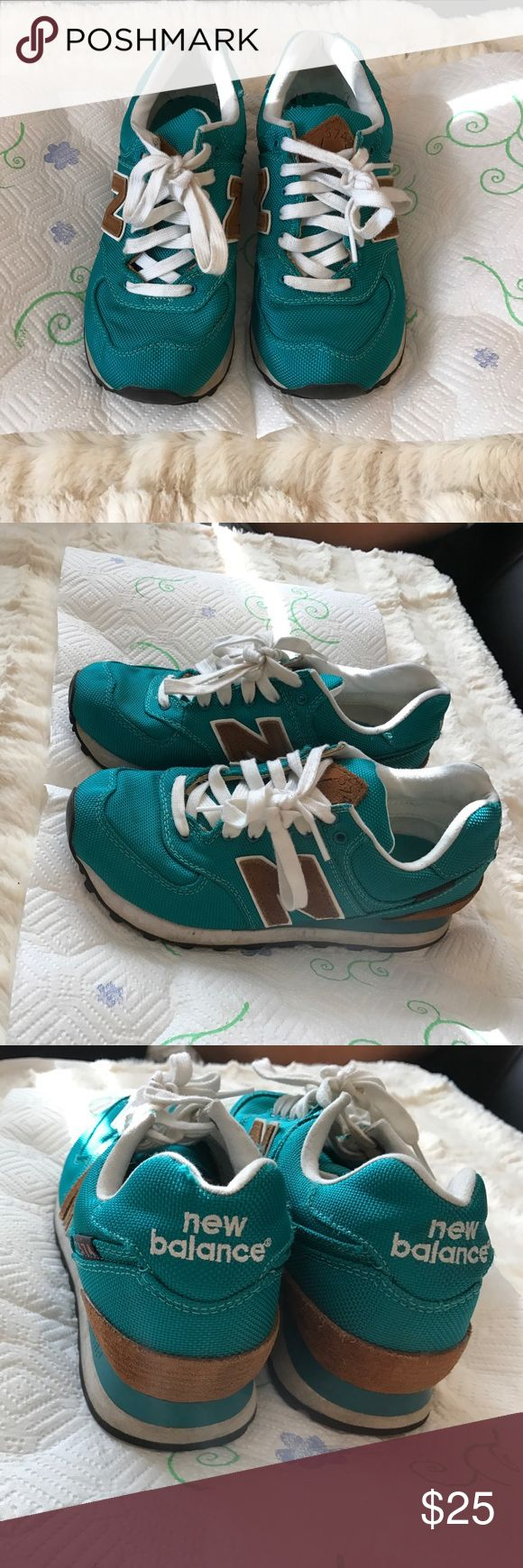 New Balance 574 sneaker New balance in great condition! Nice and clean! Welcome to make offer because I'm moving soon. Or else, I'll just sell to local store New Balance Shoes Sneakers