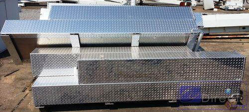 Ladder Tool Box - Aluminum for Utility Service Bucket Trucks Durable Lightweight // Cajas de Aluminio para Escaleras con Caja de Herramienta adicional para Camiones de Servicio Utilitario www.viccobdirectstore.com Contact: info@viccobdirect.com