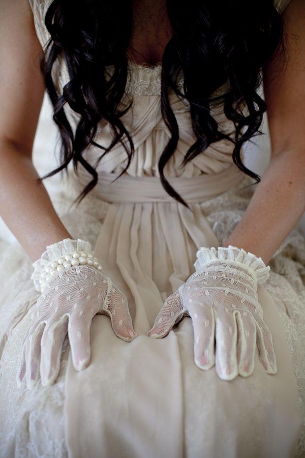 Vintage gloves...so chic!