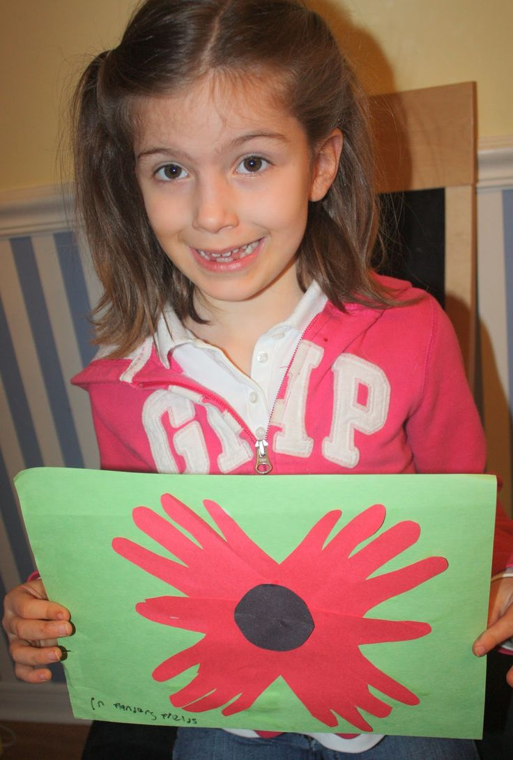 Remembrance Day craft for preschoolers and kids. Easy to make at home