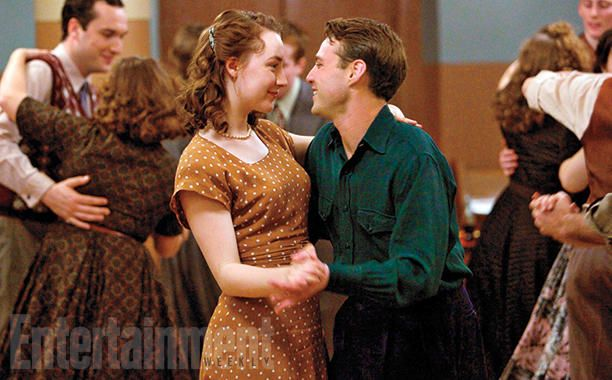 Holiday Movie Preview: From 'Joy' to 'Star Wars,' this season has something for everyone | 'Brooklyn,' Nov. 4 | EW.com