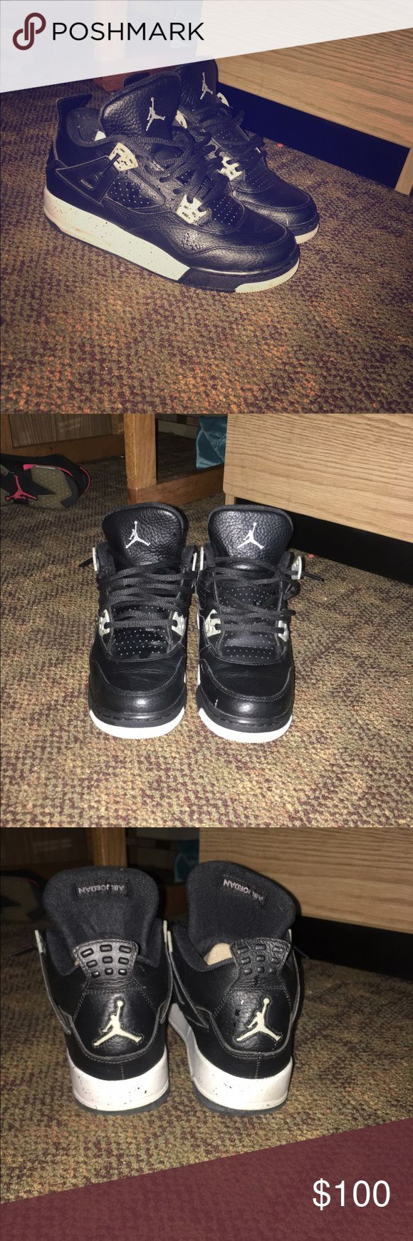 Retro 4's . (Oreo) Size 6.5y. 100 or B/O . Only worn a couple times . Condition 8/10 due to minor creasing Jordan Shoes Sneakers