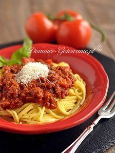 Spaghetti Bolognese Przepis na klasyczne spaghetti Bolognese. Klasyka włoskiej kuchni i jednocześnie ulubione danie moich dzieci.