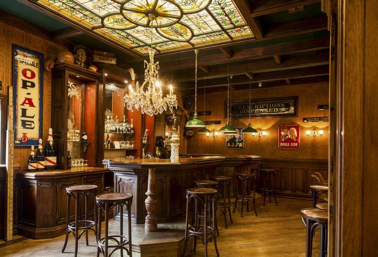 25 beste idee n over cafe interieur op pinterest cafe winkelinrichting restaurant - Behang voor restaurant ...