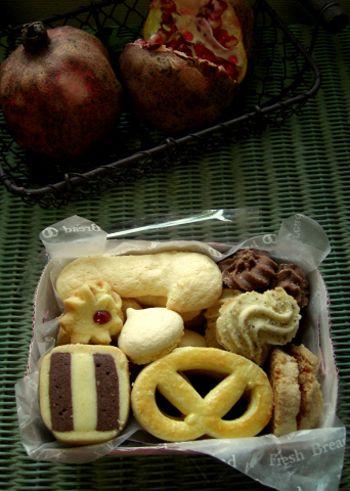 ドイツパンの他に、手土産にぴったりのクッキーもあります。パンもクッキーもリーズナブルプライスです。