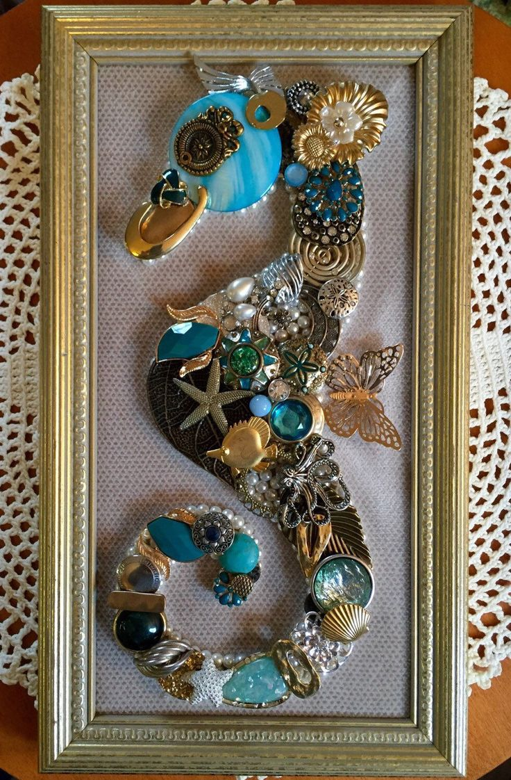 Arts and crafts jewels - Find This Pin And More On Framed Vintage Jewels