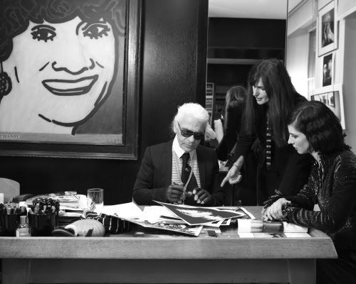 Habitually Chic®: Chic at Work Karl Lagerfeld at his desk ...
