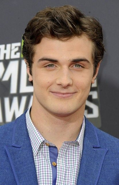 Beau Mirchoff Age, Weight, Height, Measurements - http://www.celebritysizes.com/beau-mirchoff-age-weight-height-measurements/