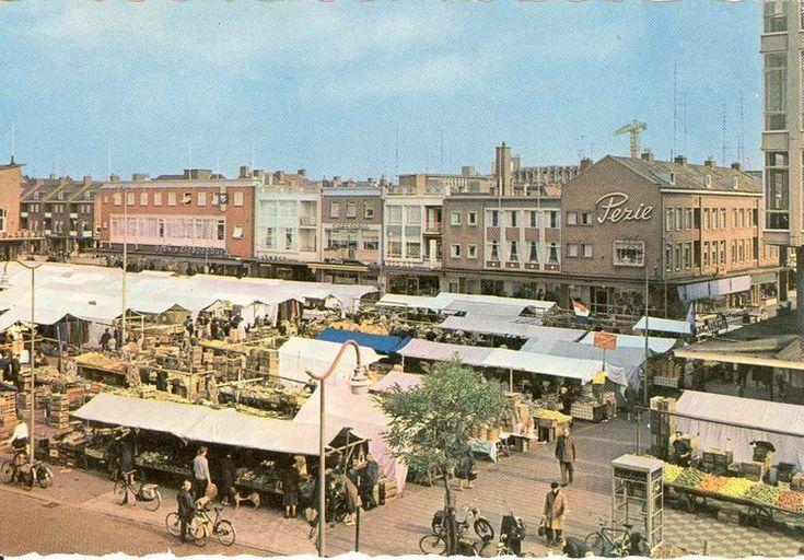 Het Marktplein in Hengelo omstreeks 1962