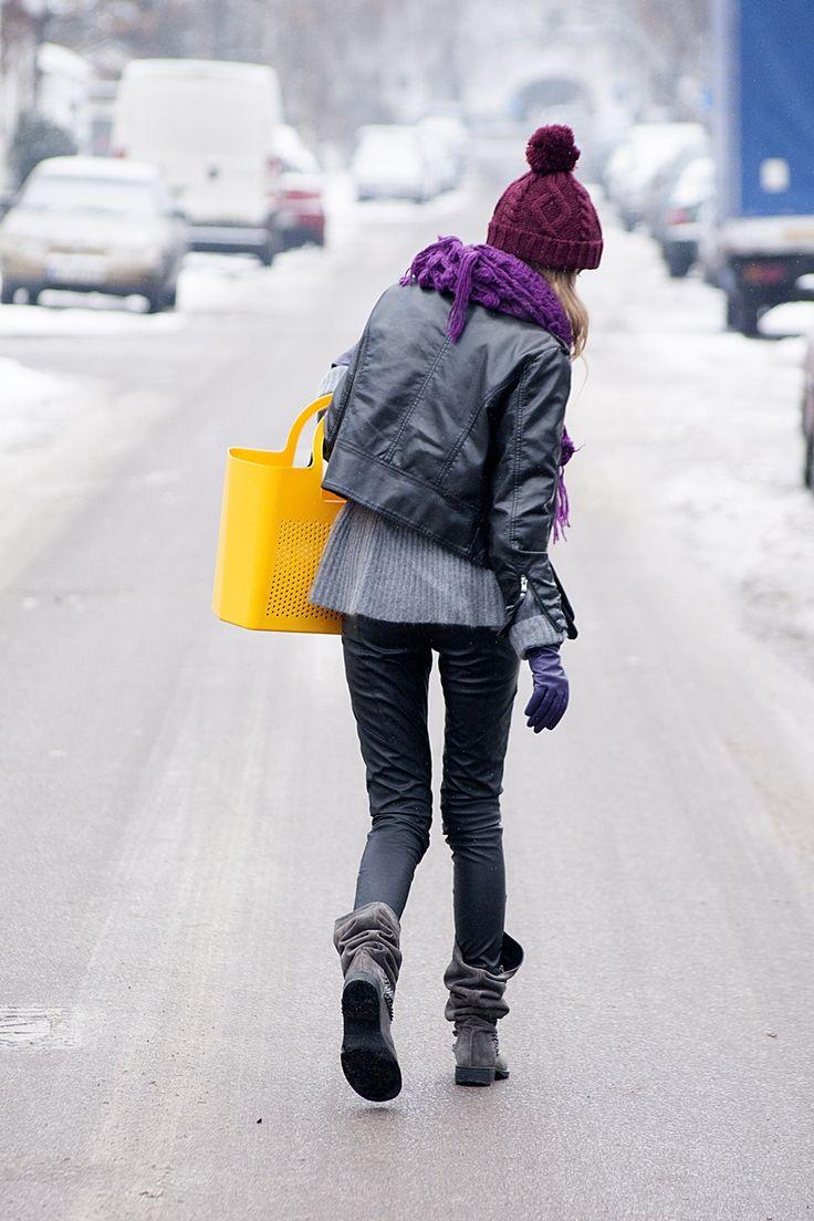Kokorinoo  http://www.kokorinoo.com/2012/12/winter-post-with-yellow-moimio-bag.html