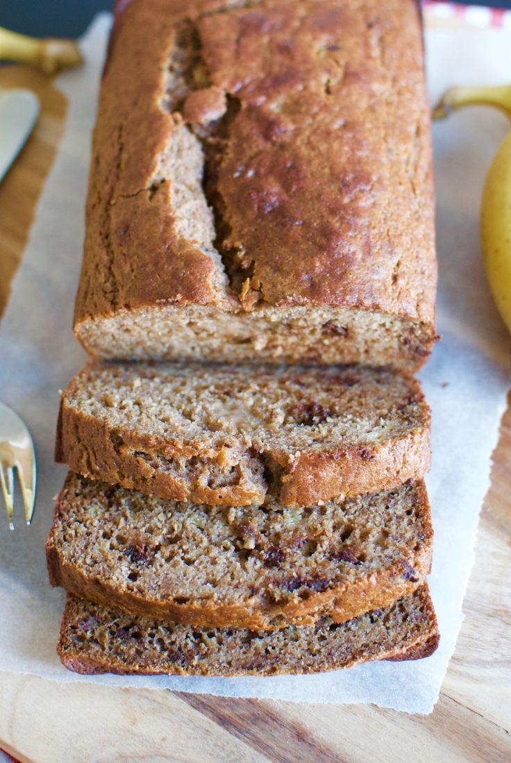 Se opskriften på bananbrødet, der hverken indeholder hvedemel, raffineret sukker eller smør, og er derfor både kalorielet, nemt og lækkert