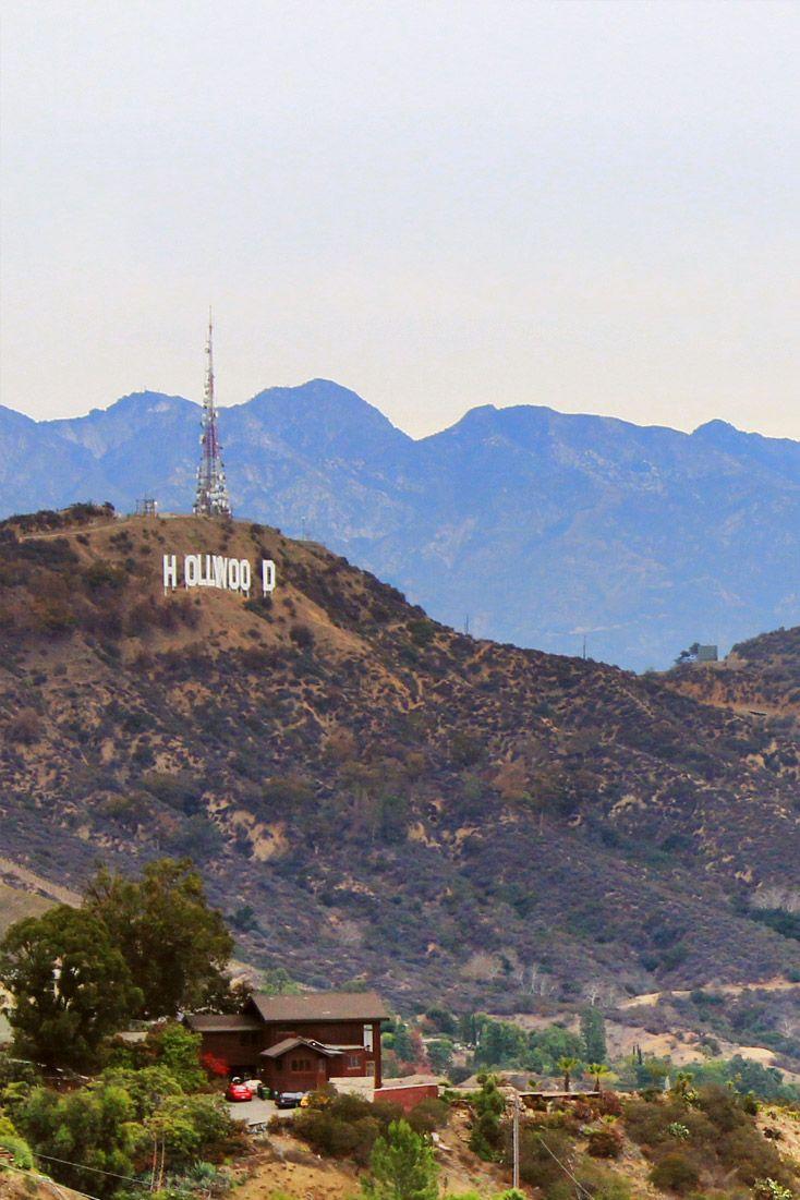Vai para Los Angeles? Confira 5 ótimas atrações e passeios que você deve incluir no seu roteiro pela cidade mais famosa da Califórnia! Foto: letreiro de Hollywood visto do Observatório Griffith, em Los angeles, Califórnia