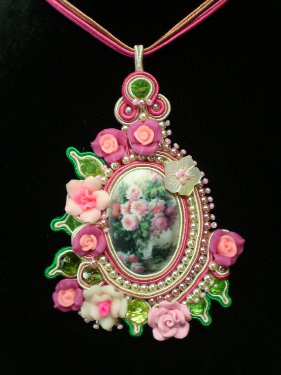 Soutache pendant with flowers, pearls and cristals, only one.