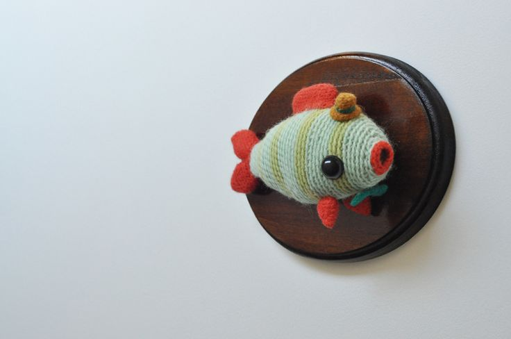 crochet taxidermy - cute and morbid all at the same time!