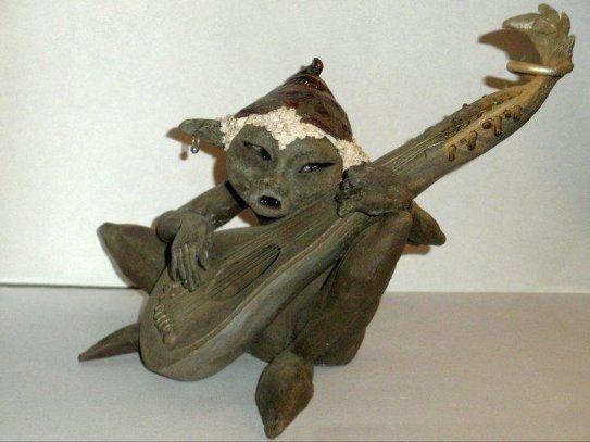 Suonatore Jones by Elena Raffaelli  Gres nero