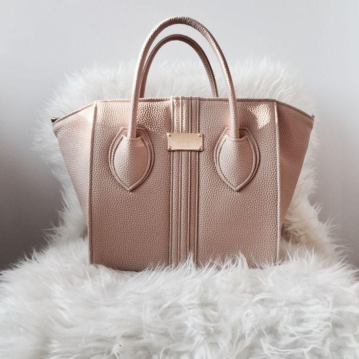 Vegan handbag in beige