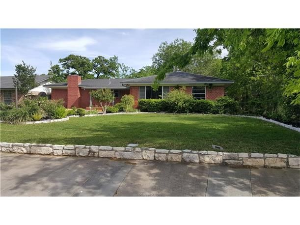 54 best Homes for Sale in Bryan  Texas images on Pinterest   Texas  Built  ins and Granite counters. 54 best Homes for Sale in Bryan  Texas images on Pinterest   Texas