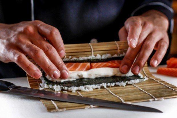 Uramaki. | 19 receitas para fazer um rodízio de japa na sua casa