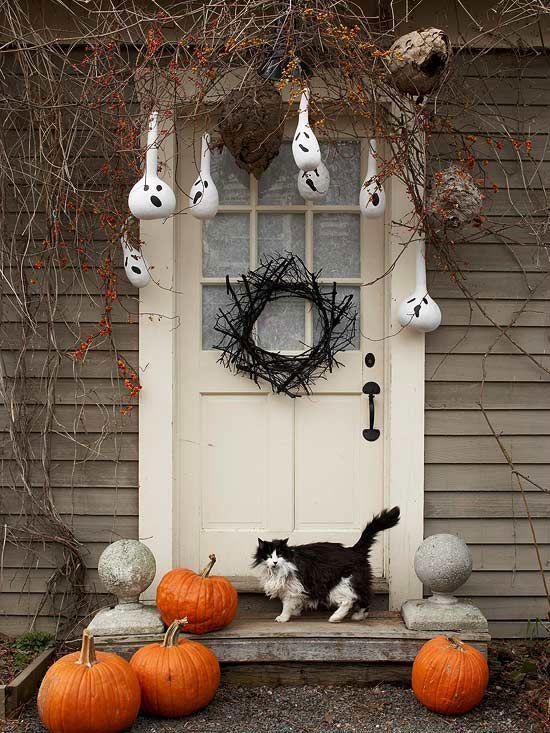 35 spooky halloween door decorations
