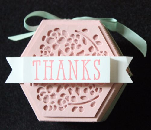 Stampin Up Occasions Catalogue 2017 On Stage stamping presentation sample by SU presenters using Window Box Thinlits dies. Click through for 9 more OnStage samples.