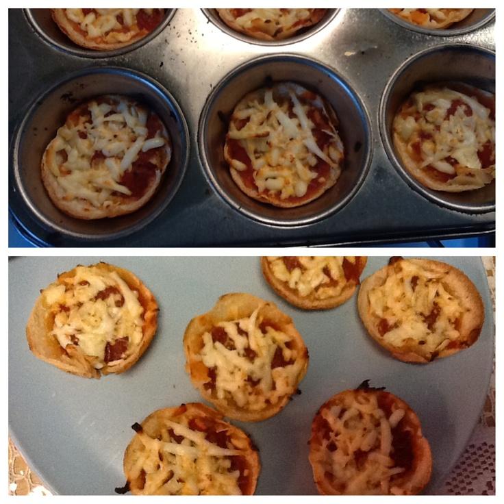 Homemade pizza bites ! Such an easy snack.. Wraps, mozzarella cheese ...