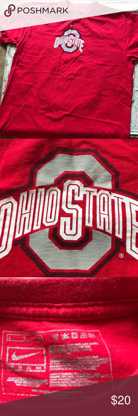 Nike Ohio State T-shirt size large Nike Ohio State T-shirt, size large. T-shirt is in good condition. Thanks for visiting my closet! Nike Shirts Tees - Short Sleeve