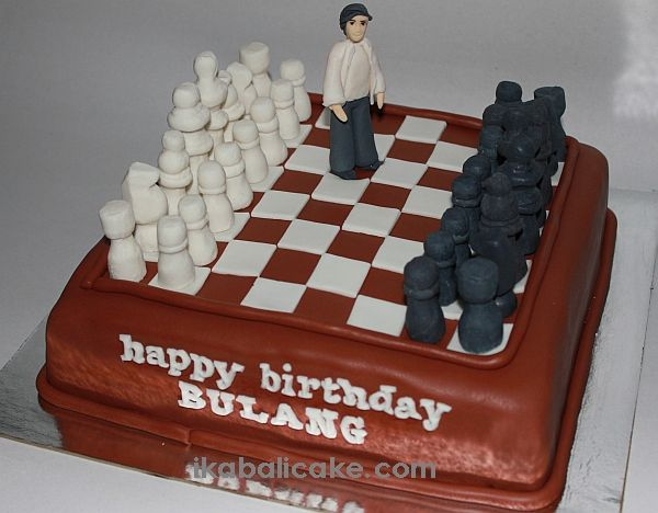 Handmade fondant figurines - Chess Theme at ikabalicake.com