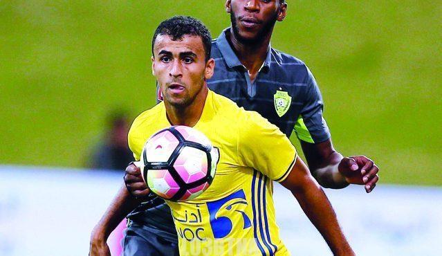 خالد الهاجري اللاعب العماني حياته وأهم المحطات في مشواره Soccer Ball Soccer Sports Jersey