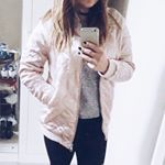 #BOMBER Et oui, j'ai cédé à l'appel du rose   Je vous en parle sur Snapchat  Kalys285  #bombers #pink #pinterest #mode #fashion #snapchat #blog #blogger #frenchblogger #fashionblogger #rose #igers #ootd #outfit #pinkbomber #stradivarius #instablog #instagood #instastyle #like #love @stradivarius